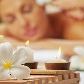 Odprężający masaż Lomi Lomi